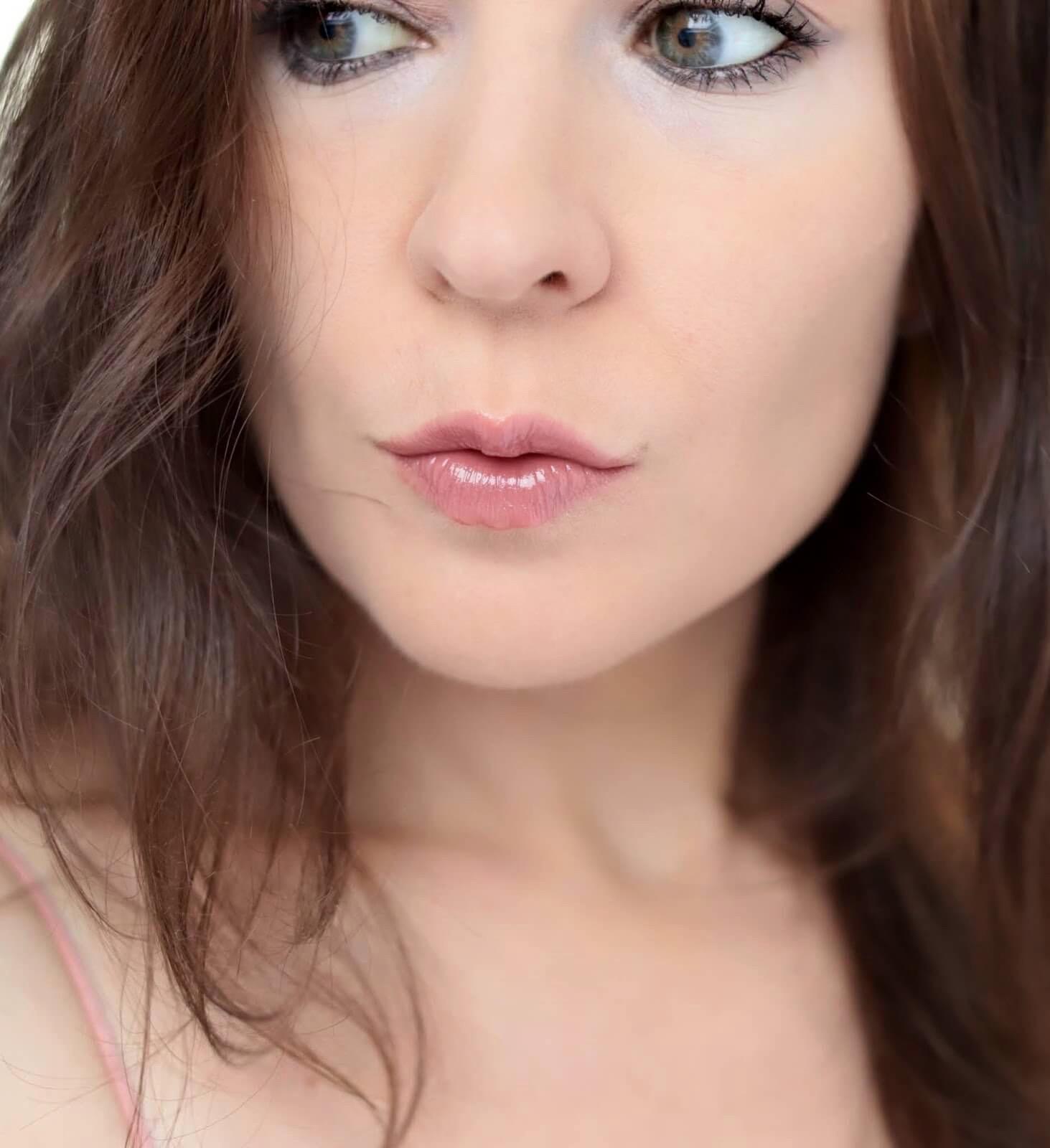 Charlotte Tilbury Everlasting Kiss swatch
