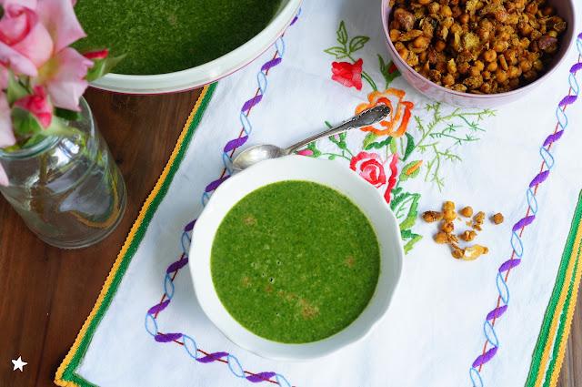 soupe épinards tamari topping pois chiches vegan