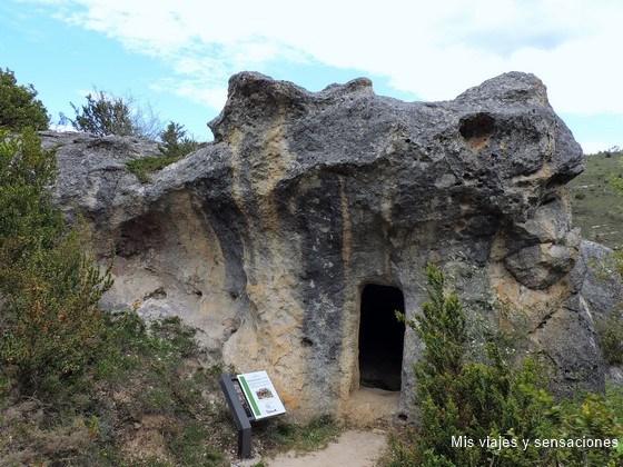 Cueva de la doctora, Gobas, Laño, Condado de Treviño