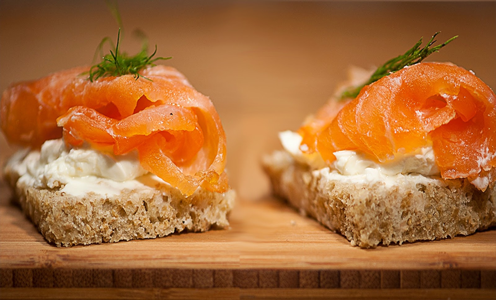 Intelliblog food friday smoked salmon canap s for Smoked oyster canape