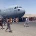 EUA dizem estar focados em garantir segurança do aeroporto de Cabul; Cinco pessoas morreram durante evacuação