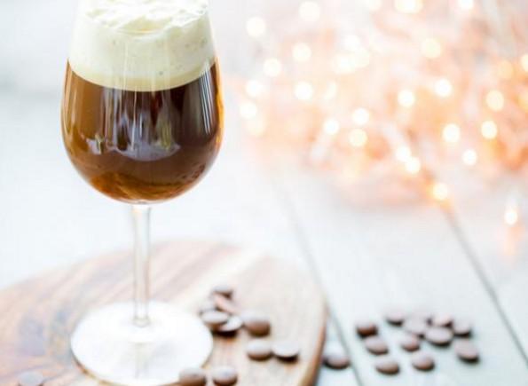 Ζεστοί καφέδες και Χριστούγεννα: Μια ιστορία... αγάπης!