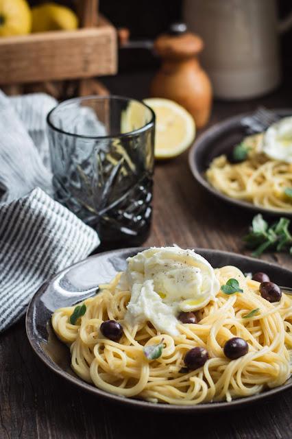 Recette de one pot pasta de spaghetti au citron et à l'ail