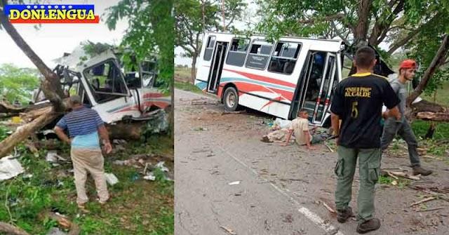 Autobús chocó en Santa Rita y dejó 3 muertos y 15 heridos