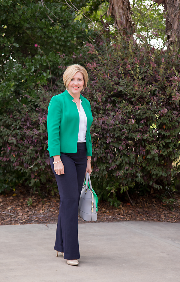 How to wear kelly green