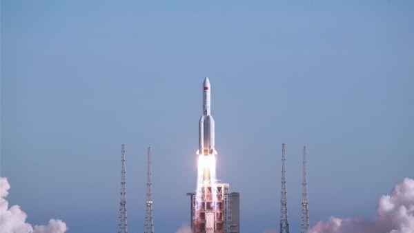 China lanza exitosamente una nueva misión espacial