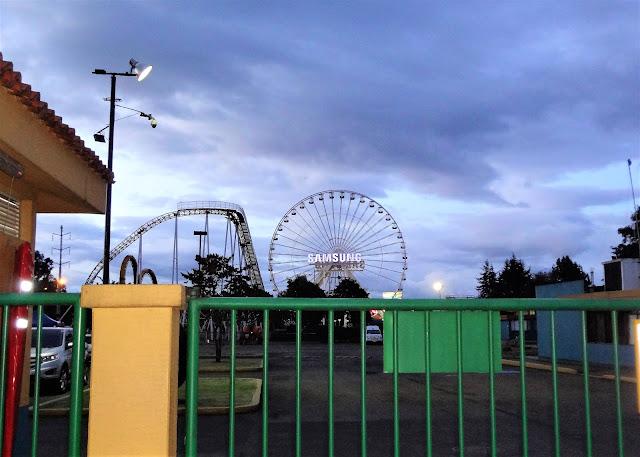 シモン・ボリバル公園近くの遊園地