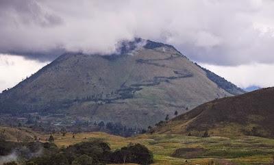 bukit gundul, gunung sipiso-piso, danau toba, samosir, 1900 mdpl, air terjun sipiso-piso