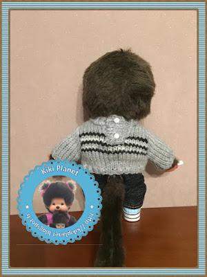 pull gris à rayures fait main pour Kiki ou Monchhichi - tricot - tricotage - vêtements poupées - handmade