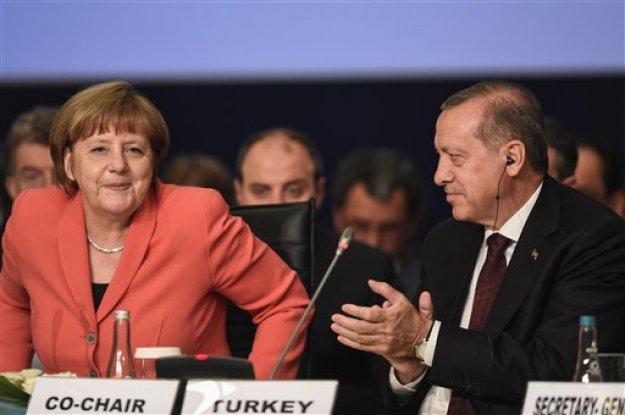 Στριμωγμένος από τον Τραμπ, ο Ερντογάν αναζητεί καταφύγιο στην Ευρώπη