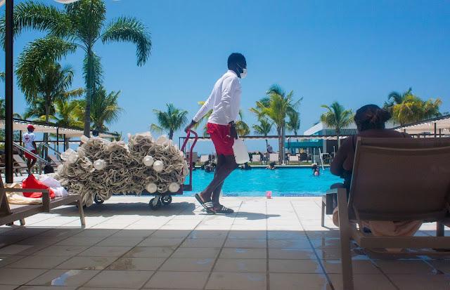 Towel Distribution in RIU MONTEGO BAY