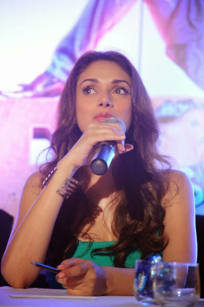 Cute Aditi rao hydari photos at boss movie press meet