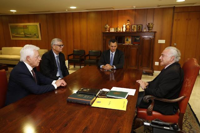 Michel Temer se reuniu com Ivan Monteiro no Palácio do Planalto nesta sexta-feira (1º)