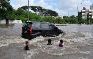 Asuransi Mobil Banjir