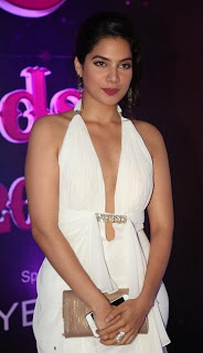Actress Tanya Choudhary Stills in White Dress at Apsara Awards 2016 0008.jpg