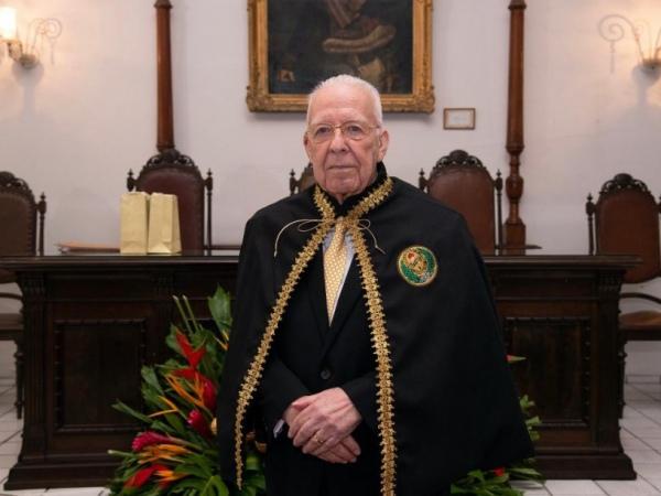Academia Alagoana de Letras homenageia Dr. Carlos Mendonça, vítima da Covid-19