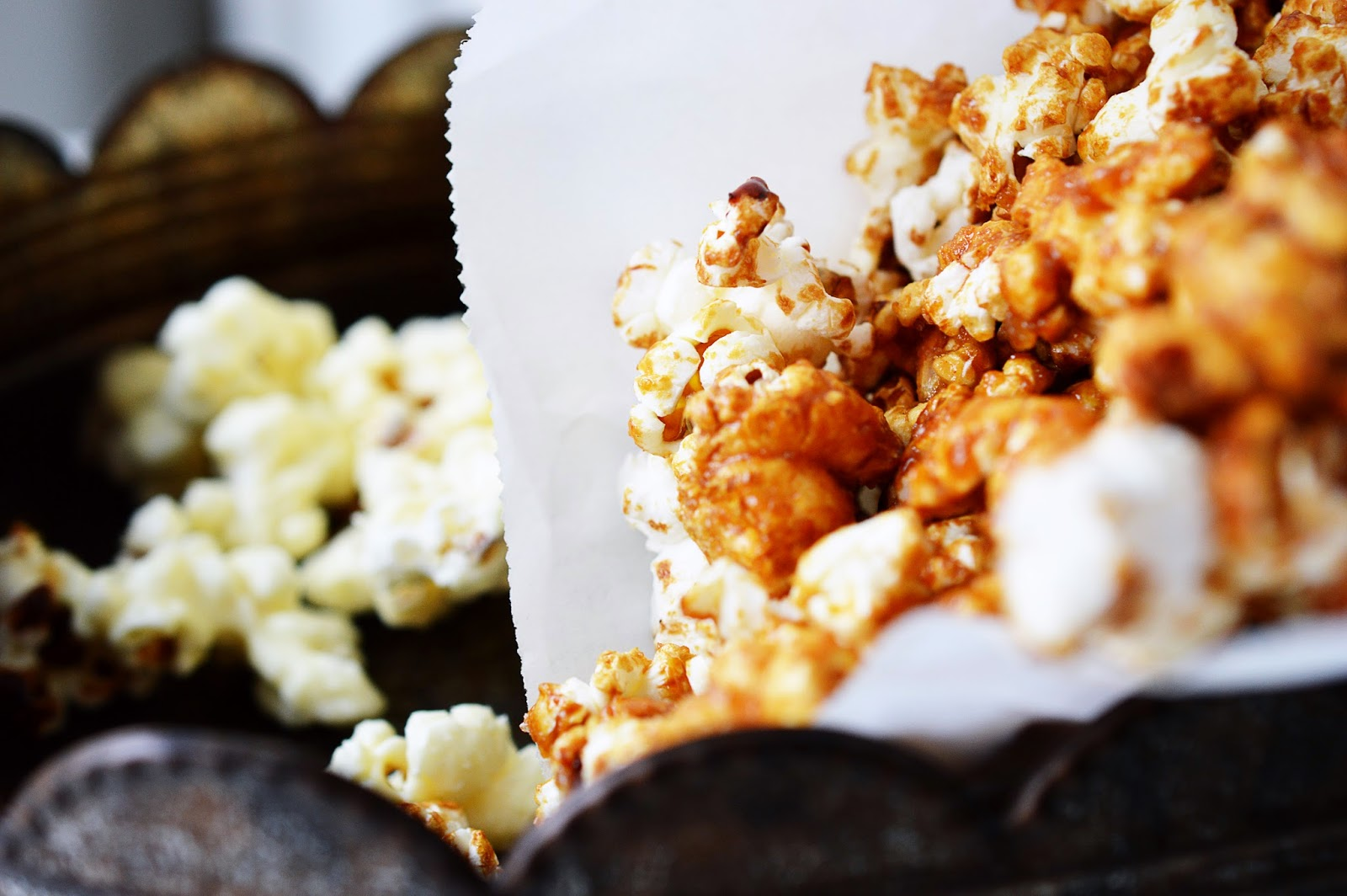 Honey Salted Caramel & White Chocolate Popcorn Recipe | Motte's Blog