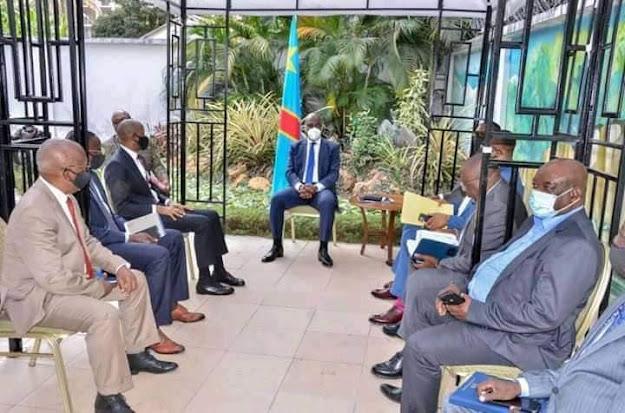 Le président Martin Fayulu a reçu en audience les G13 pour discuter sur la crise politique qui ronge notre pays et acquérir certaines pistes de sortie