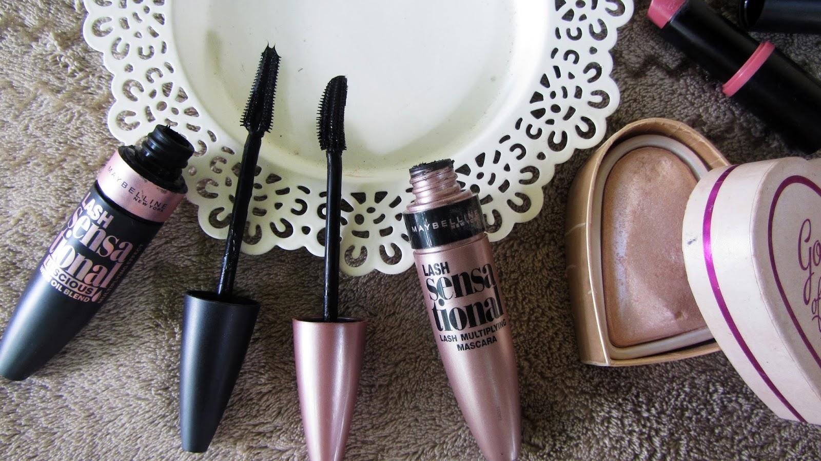 f1b10f228bb Tusz umieszczony jest w różowej, perłowej buteleczce charakterystycznej dla  tej firmy, o pojemności 9,5 ml z czarnym napisem.