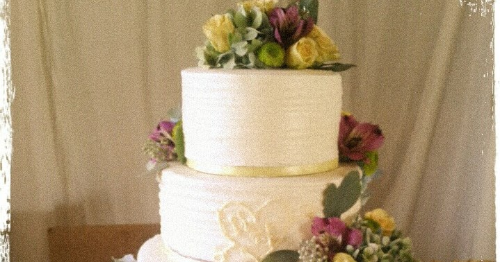 Party Cakes: Rustic 4-Tier Wedding Cake