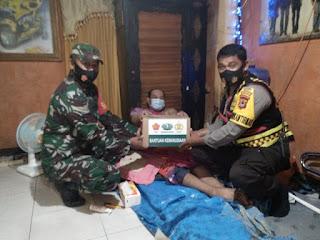 TNI-Polri Peduli, Salurkan Bantuan Sembako Untuk Warga Yang Sakit Lumpuh di Makassar
