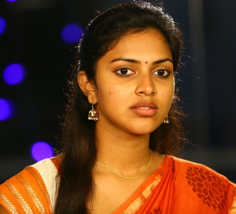 South Indian Actress Amala Paul Face Closeup Photos Without Makeup