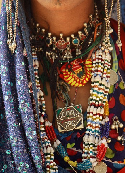 the pilgrim's baksheesh.: Bedouin Jewelry and Females of ... Бохо Шик 2012
