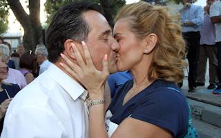 Το φιλί στο στόμα της Ευγενίας Μανωλίδου στον Άδωνι Γεωργιάδη