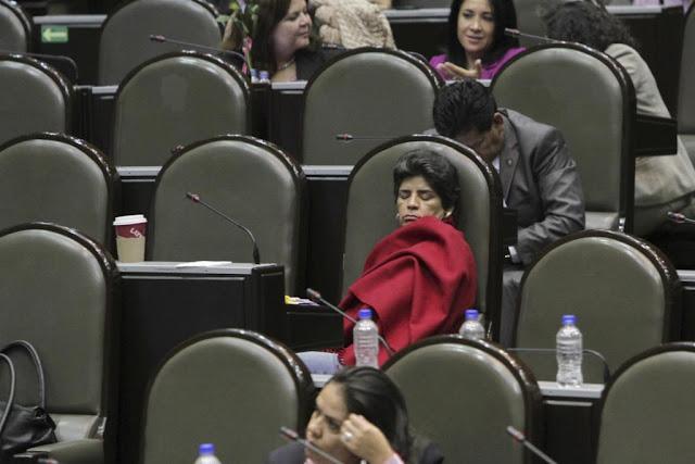 Diputados reciben aguinaldo de 140 mil pesos y no pagaron ni un solo peso de ISR