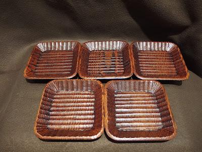 山中塗 我谷彫(わがたにぼり) 5枚皿揃  栗材 摺りうるし塗 軽くて丈夫。お菓子を乗せたりコースターにしたり、とても使い易いお皿です。 #山中塗 #我谷彫 #わがたにぼり #栗材 #摺りうるし塗 #漆塗