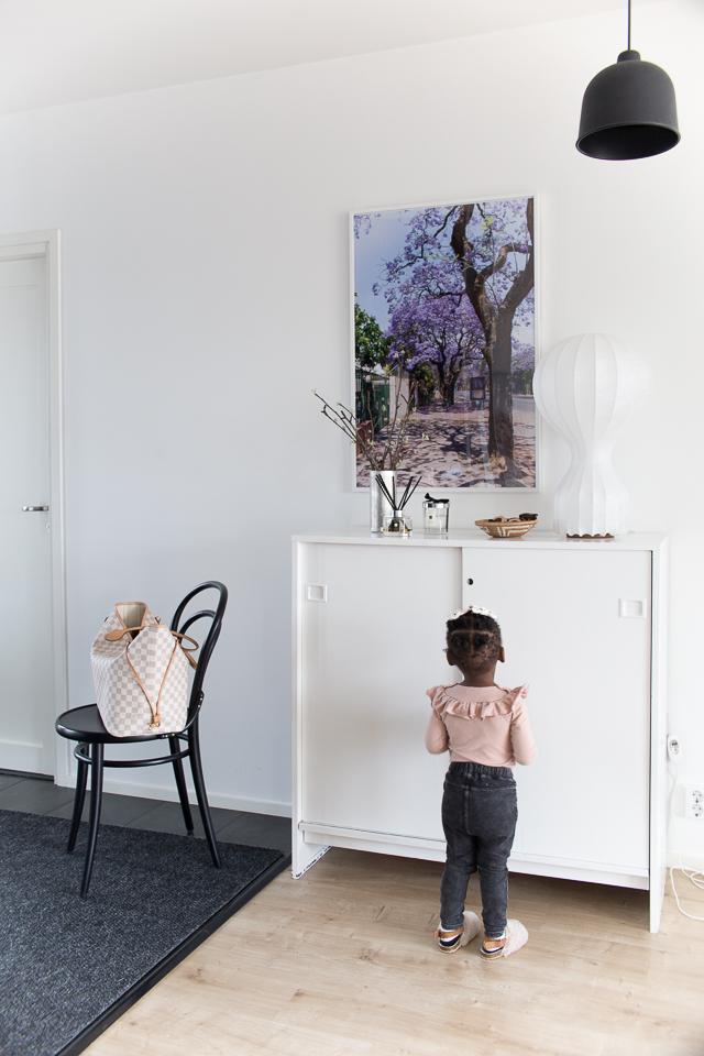 Villa H, valokuvamuistot, eteisen sisustus, lasten tyyli, flos gatto