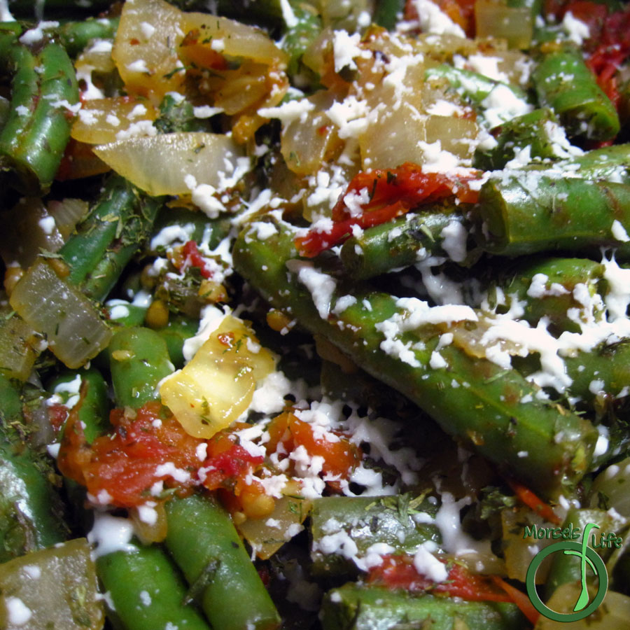 Morsels of Life - Greek Style Green Beans (Fasolakia) - A simple Greek-style green bean dish cooked with tomatoes and onions.