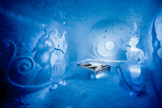 Icehotel 365 - Art Suite - Dancers in the dark