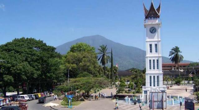 Menara Jam Bukittinggi