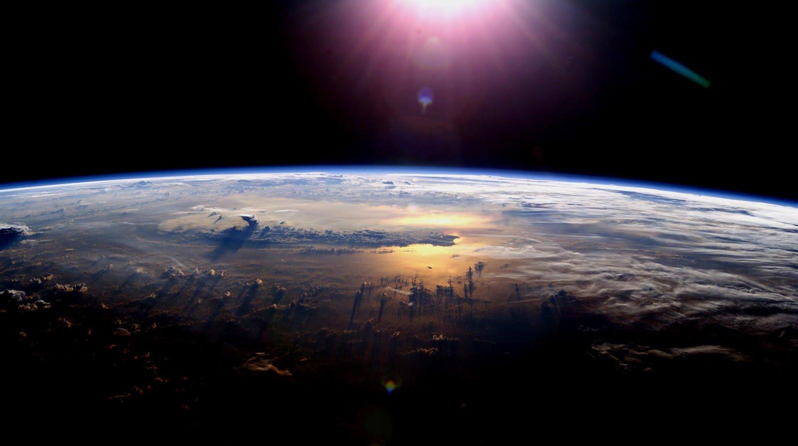 Una strana seconda luna per la Terra