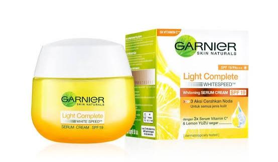 Review Garnier Light Complete Day Cream