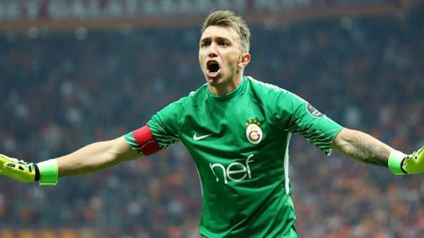 Oficial: El Galatasaray renueva hasta 2024 a Muslera