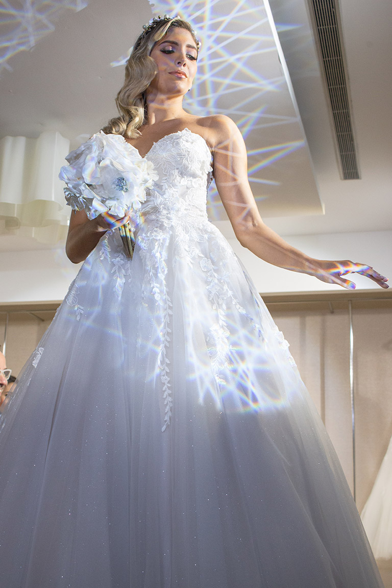 Dancing Lights Pronovias 2020