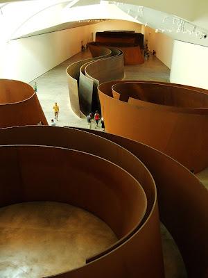 Richard Serra-scultura-Bilbao-Guggenheim-Acciaio Corten