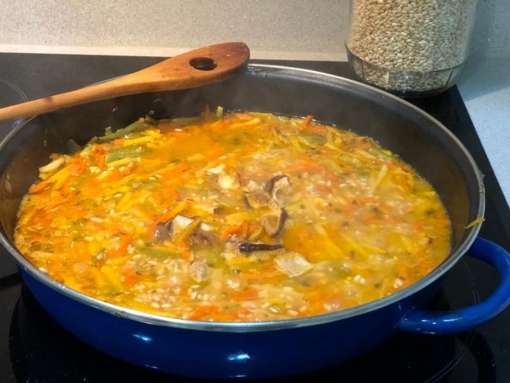 Arroz integral con verduras y setas