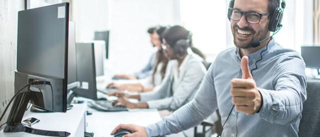 Plataforma oferece capacitação gratuita em TI e conexão com vagas.