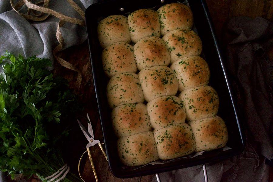 bollitos-de-ajo-y-perejil-rellenos-de-jamon-de-york-receta-express