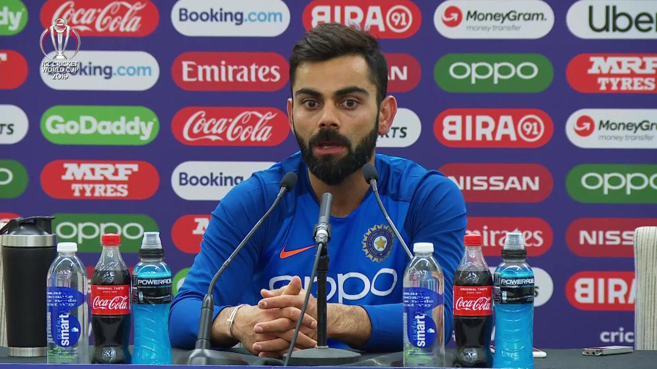 virat-kohli-names-2-batsmen-he-loves-batting