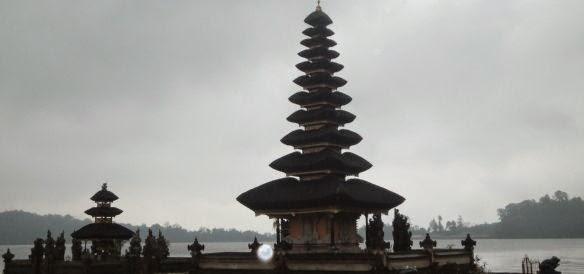 Ulundanu Beratan Bedugul Lake Temple - Pura Ulundanu, Bedugul, Lake Temple, Hindu, Bali, Holidays, Trips, Attractions