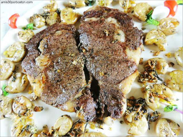 Segundo Plato de MI Cena de San Valentín: Rib Eye Steak (Entrecôte) & Crispy Smashed Baby Potatoes