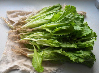 15 июня, свежесрезанный салат к столу