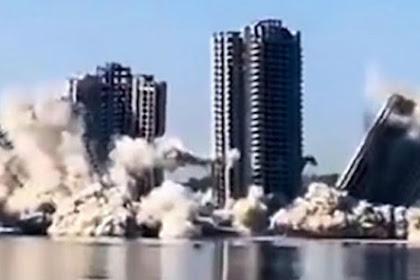 Saat Empat 'Menara Hantu' yang Tidak Pernah Diisi Dihancurkan