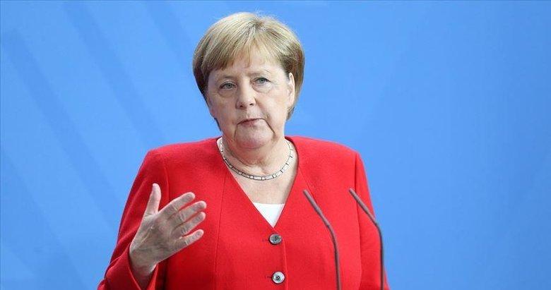 Lovitură de teatru în Germania. Protejata lui Merkel renunță la șefia partidului și la candidatura pentru postul de cancelar