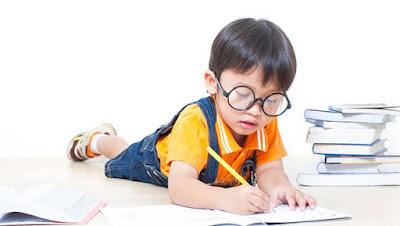 Berikan Asuransi Pendidikan Terbaik untuk Anak dengan 5 Cara Ini