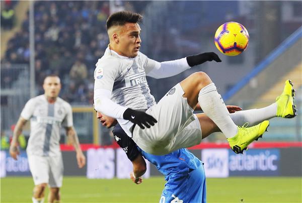 لاوتارو يبتعد عن برشلونة